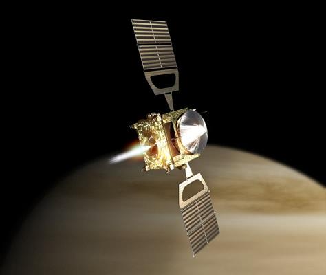 Representación artística de la inserción de la sonda Venus Express en órbita alrededor del planeta. En esa fase de la misión, la más compleja desde el lanzamiento, la sonda deberá encender su motor principal por alrededor de 53 minutos para reducir su velocidad respecto a Venus y permitir que la gravedad del planeta la capture. Créditos: ESA / AOES Medialab.